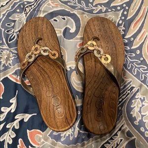 Brown orthoheel flip flops